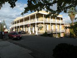 Leger Hotel